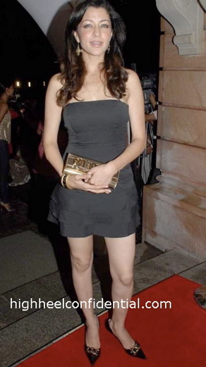 aditi-gowatrikar-khatron-ka-khiladi-bash-black-dress.jpg