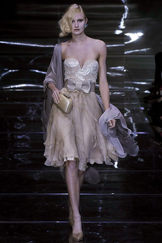 armani-prive-fall-08-couture-vogue-october.jpg