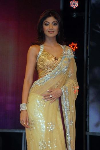 beige-sari-shilpa-shetty-bigg-boss-manish-malhotra-1.jpg