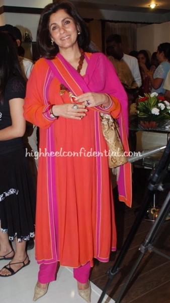 dimple-kapadia-urvashi-kaur-store-launch-pink-suit.jpg