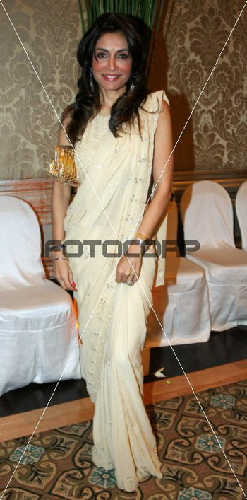 queenie-dhody-release-of-superstar-india-cream-sari-sept-16.jpg