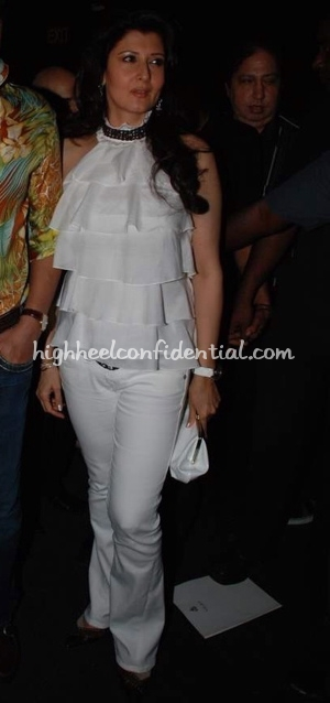 sangeeta-bijlani-jj-vallaya-hdil-couture-week-white-bebe-top1.jpg