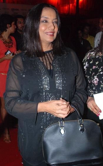 shabana-azmi-jj-vallaya-hdil-couture-week-1.jpg