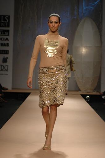 vikram-phadnis-wlifw-spring-08-gold-textured-skirt.jpg