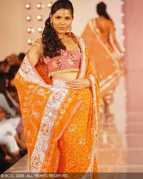 1-bhairavi-jaikishan-bridal-asia-show-2008.jpg