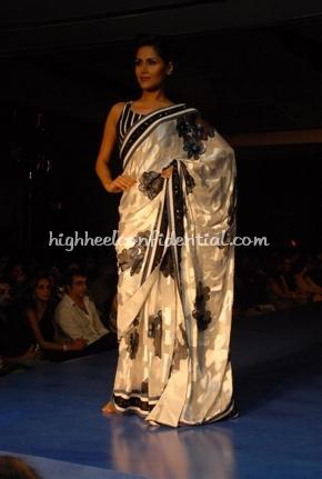 14-maheka-mirpuri-fashion-show.jpg
