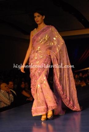 17-maheka-mirpuri-fashion-show.jpg