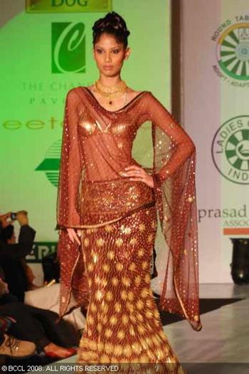 2-neeta-lulla-fashion-show-bangalore.jpg