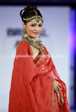 3-maheen-khan-bridal-asia-show-20081.jpg