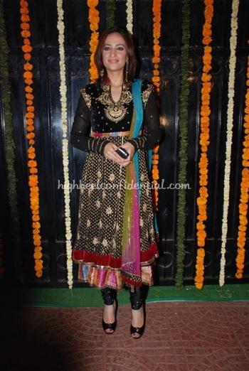 4-rakshanda-khan-ekta-kapoor-diwali-party.jpg