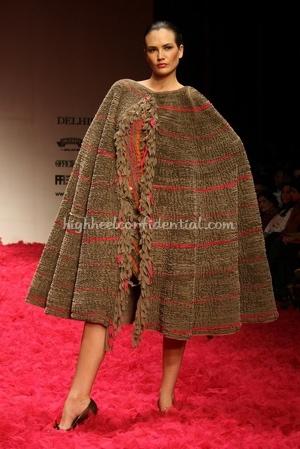 9-rohit-bal-spring-09-delhi-fashion-week.jpg