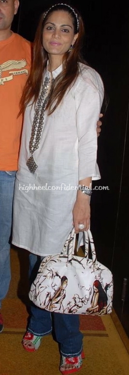 alvira-khan-prada-fairy-bag-yuvraj-music-launch1.jpg