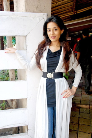 amrita-rao-welcome-to-sajjanpur-press-meet.jpg