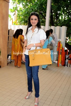 anu-deewan-orange-birkin-bag-araish-event.jpg