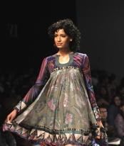 florals-charu-parashar-trend-report-spring-09.jpg