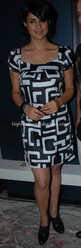 gul-panag-hello-success-party1.jpg