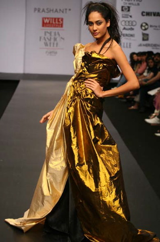 katrina-kaif-november-femina-gold-dress-prashant-verma-fall-08-1.jpg