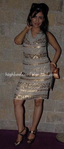 shibani-kashyap-nachiket-barve-lakme-fashion-week-mango-dress1.jpg