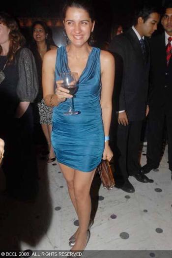 shruti-seth-blue-dress-post-lakme-fashion-week-party.jpg