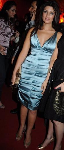 twinkle-khanna-hdil-couture-week-manish-malhotra-week-blue-nicole-miller-dress.jpg