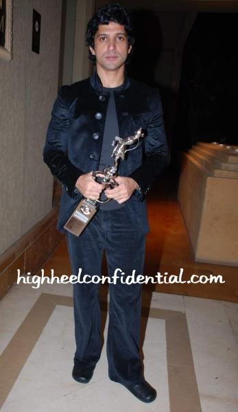 farhan-akhtar-shantaram-awards.jpg