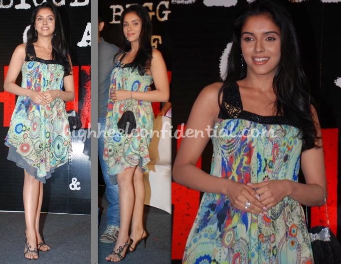 asin-ghajini-success-bash-dress.jpg