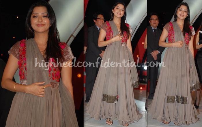 bhumika-chawla-hero-honda-stunner.jpg