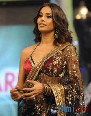 bipasha-2009-filmfare-awards.jpg