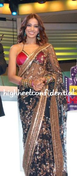 bipasha-basu-filmfare-awards-full.jpg