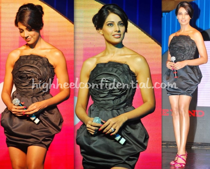 bipasha-basu-all-the-best-mtv-relaunch-gauri-and-nainika-dress