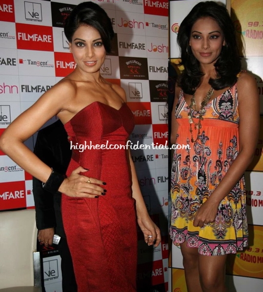 bipasha-basu-filmfare-issue-launch-radio-mirchi-1