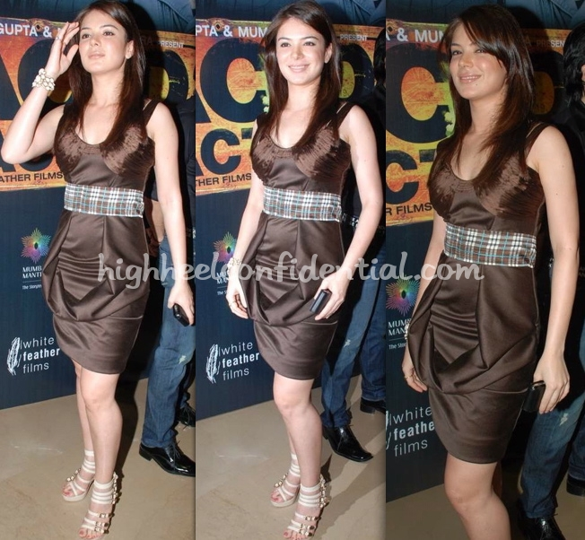 urvashi-sharma-acid-factory-premiere-swapnil-shinde-dress