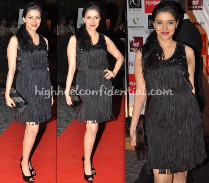 filmfare-awards-2010-asin-black-fringe-dress