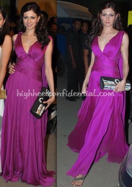 filmfare-awards-2010-simran-kaur-mundi