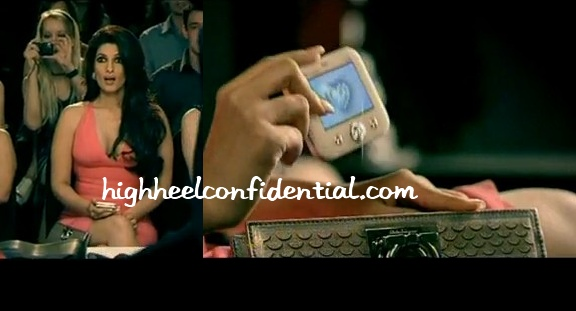 twinkle-khanna-micromax-q55-bling-phone