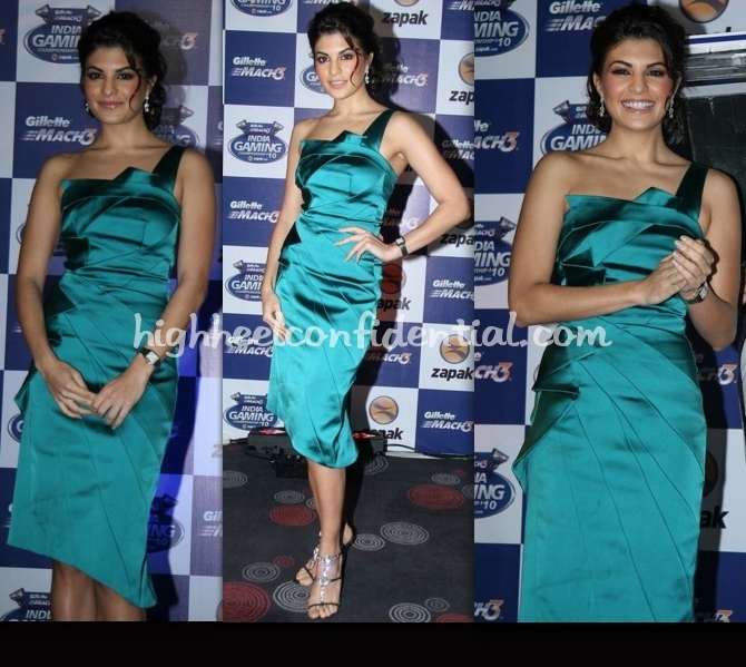 zapak-gaming-championship-jacqueline-fernandez-gauri-and-nainika-dress
