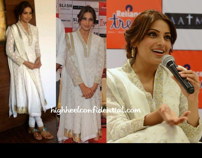 bipasha-basu-armaan-aatma-promotions-ahmedabad