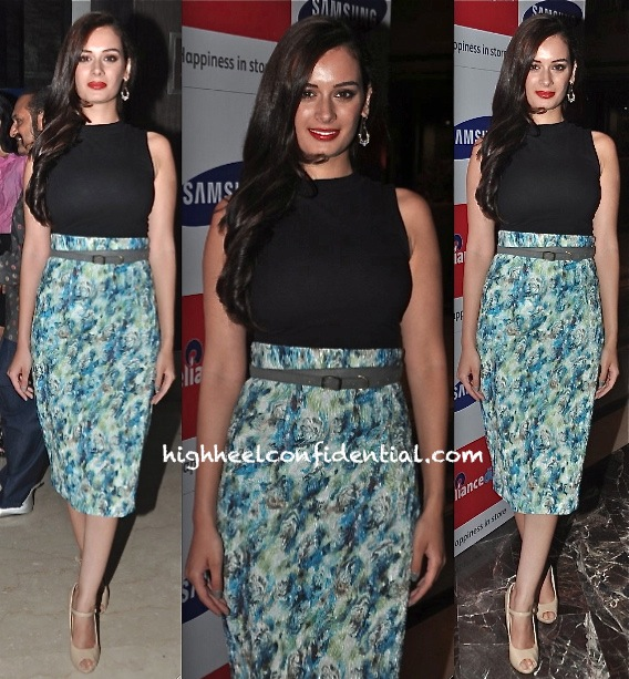 Evelyn Sharma In Nikhil Thampi At Samsung S4 Launch