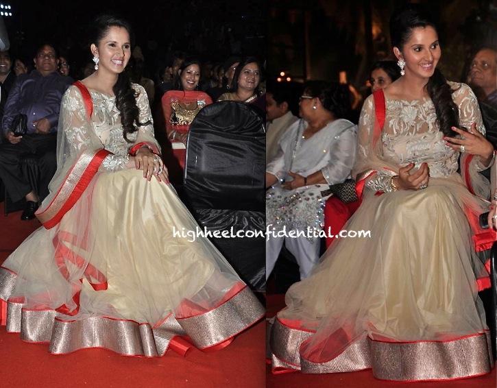 Sania Mirza At Prerna Awards 2013 In Shantanu And Nikhil-1