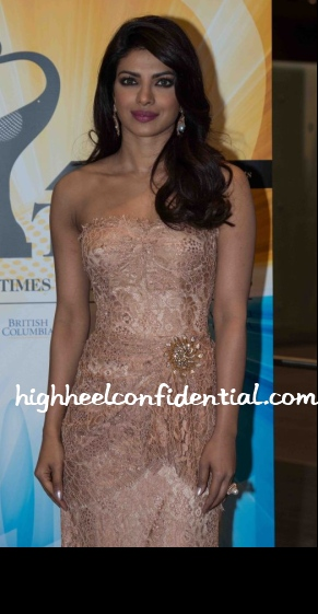 priyanka-chopra-dolce-gabbana-toifa-technical-awards-2013
