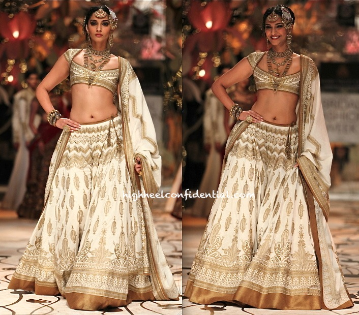 Aamby Valley India Bridal Fashion Week 2013- Rohit Bal-4