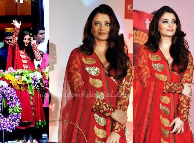 aishwarya-rai-amrita-thakur-kalyan-jewellers-pune-store-launch