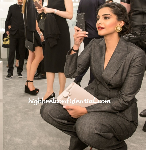 sonam-kapoor-lady-dior-as-seen-by-exhibition-1