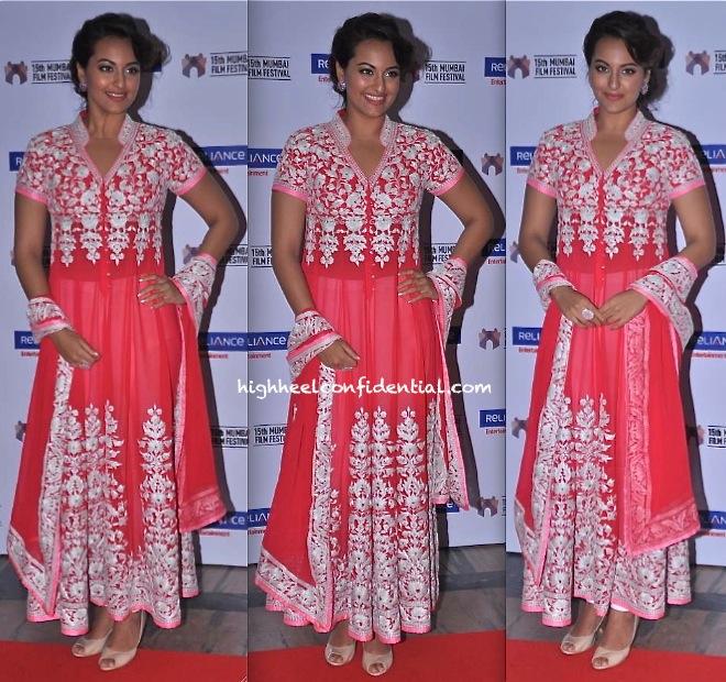 Sonakshi Sinha In Abu Jani Sandeep Khosla At Mumbai Film Festival Opening Ceremony-2