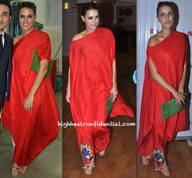 Neha Dhupia Takes In A Play (Battle Of The Sexes) Wearing Anamika Khanna-2
