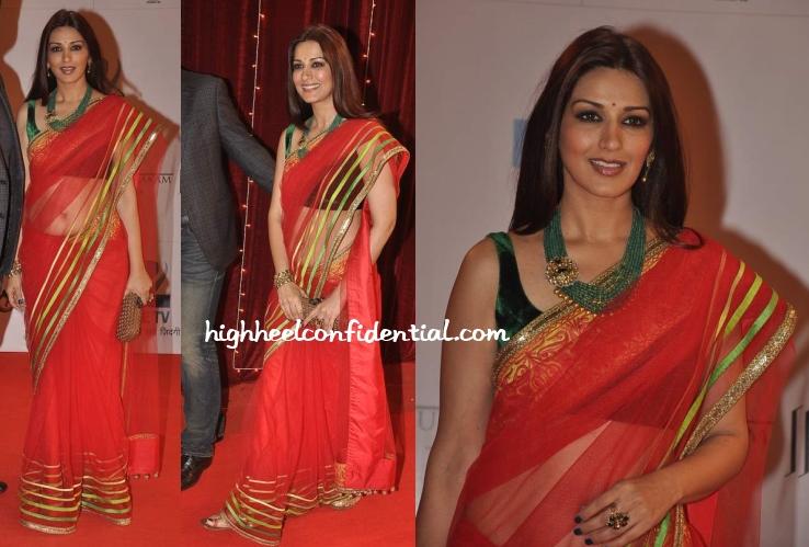 sonali-bendre-manish-malhotra-zee-rishtey-awards-2013