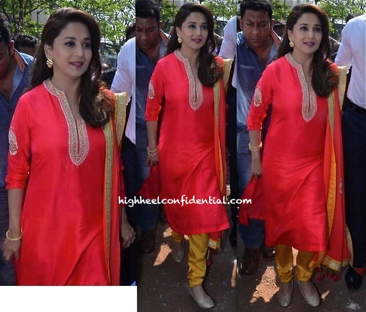 Madhuri Dixit In Nikasha At An Education For Kids Event -1