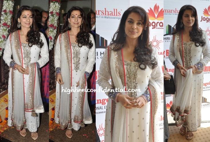 juhi-chawla-manish-malhotra-dadasaheb-phalke-awards-2014