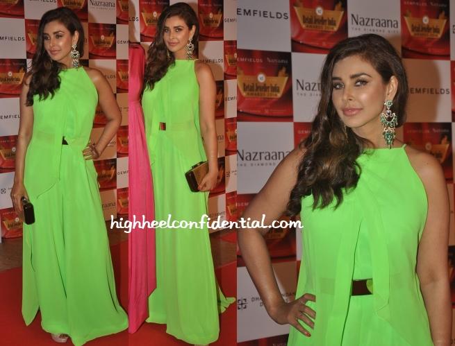 lisa-ray-gauri-nainika-retail-jeweller-india-awards-2014