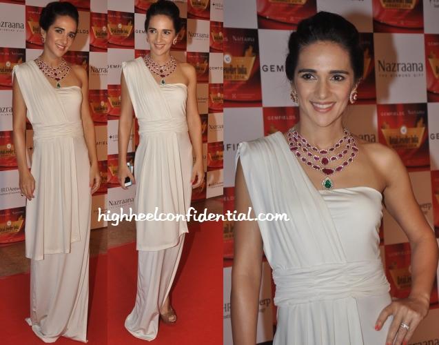 tara-sharma-saluja-nandita-mahtani-retail-jeweller-awards-2014